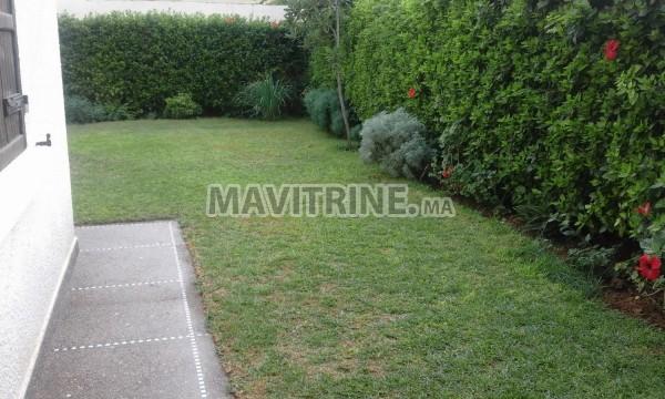 Villa vide à Louer de 620m2 avec grand jardin