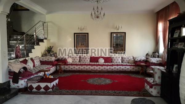 Villa à Vendre de 420m2 avec piscine à Mohammedia