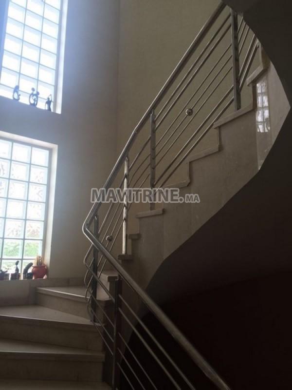 Villa vide à Louer de 800m2 sur 3 Niveaux