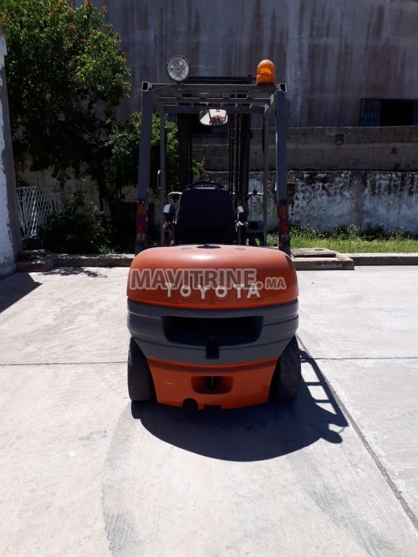 chariot élévateur TOYOTA