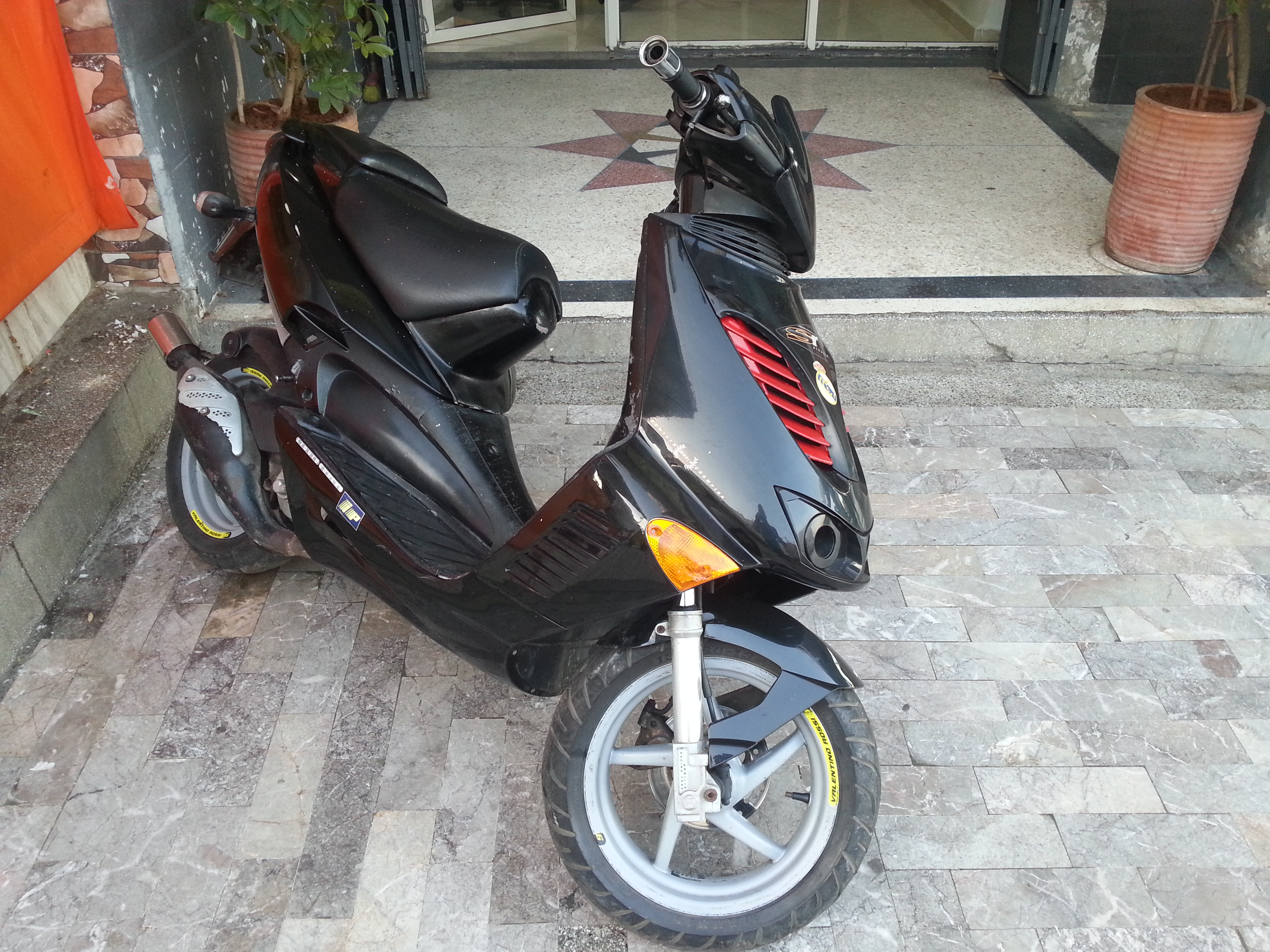 Moto Aprilia Racinge