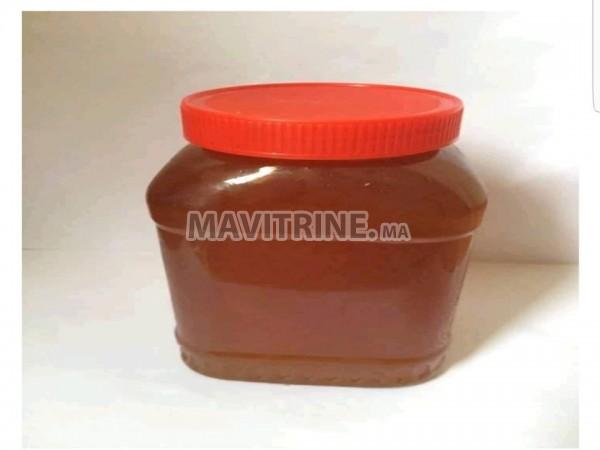 عسل حر و طبيعي بدون سكر او تطعيم