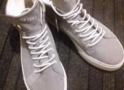 Photo de l'annonce: Sneakers Montante Bershka Grise pointure 44