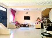 Photo de l'annonce: Villa de luxe à vendre à Meknes. Superficie 253.0 m². Places de stationnement et terrasse.