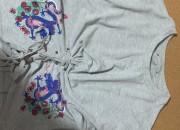 Photo de l'annonce: Tshirt manche longue avec motif et noeud